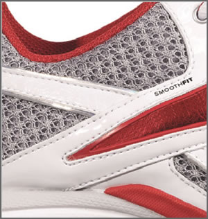 The Reebok Traintone Slimm features a Smoothfit seamless lining