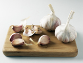 Garlic can protect diabetics from heart disease!