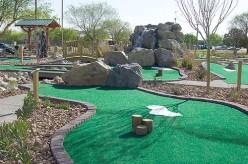 I love mini golf!