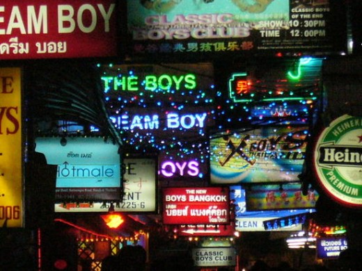 Patpong also has a popular gay go go bar strip in Duangthawee Plaza.