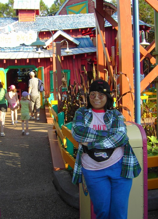 That's me, in grunge costume at my first MNSSHP.