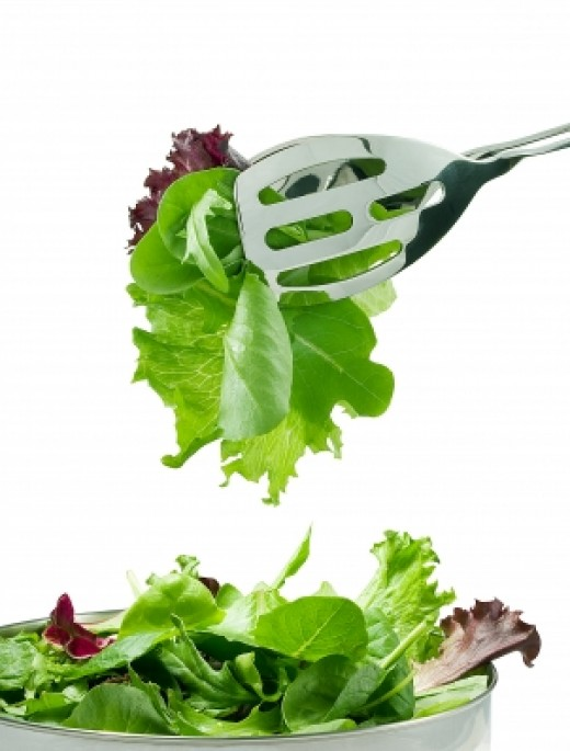 Leafy greens are great for an acne diet