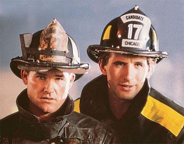 Kurt Russell and Daniel Baldwin in Backdraft