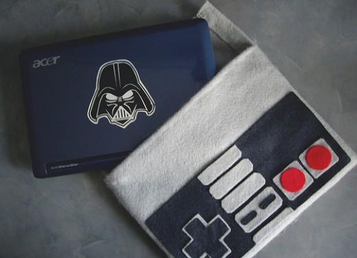 Stylish Vintage NES Netbook Sleeve