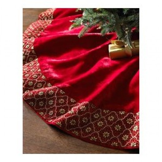 Kaleidoscope Christmas Tree Skirt - All About Collectibles and