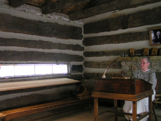 Log school house (1840s)