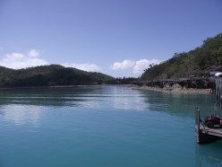 Long Island Whitsundays Ferry Day Tours from Airlie Beach Australia