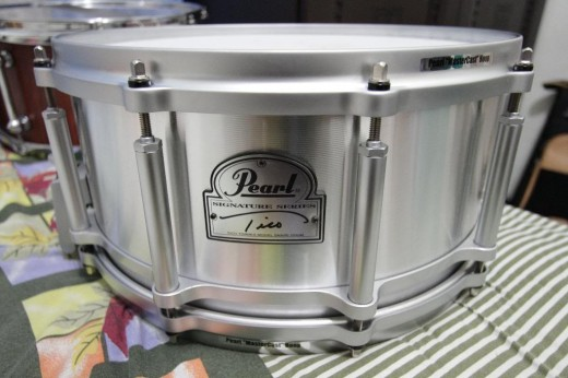 The Tico Torres Signature Snare Drum is reasonably priced and well-suited to a variety of drumming applications.
