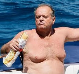Jack Nicholson has put on some unflattering weight.