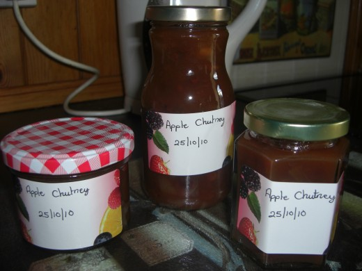 some of the finished apple chutney