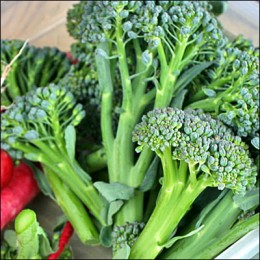 With a GI rating of 15, broccoli is rich in Vitamins C and E as well as iron.