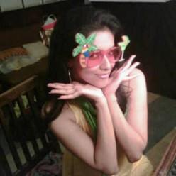 indian-bollywood-star-tamil-telugu-hot-heroine-desi-film-actress-mallu-babe-asin
