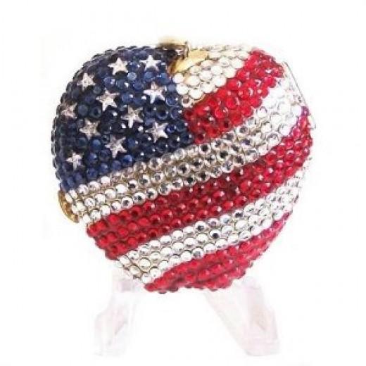 New York Spirit Apple Flag Estee Lauder Lucidity Powder Compact