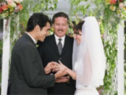 Wedding Vows: Should You Write Your Own?