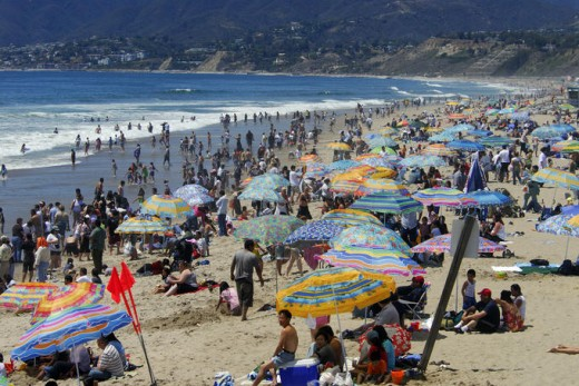 A look at an LA Beach when it is crowded with ordinary LA residents and visitors