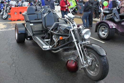 Now this is a mean looking motor bike, 6 cylinder would you believe!