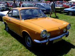 A Fiat 850 Coupe