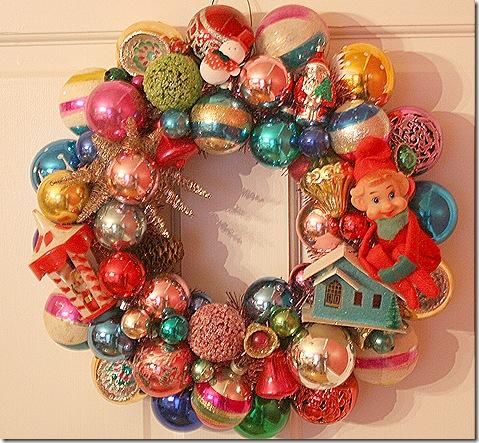 Vintage ornament wreath from retrorenovation.com