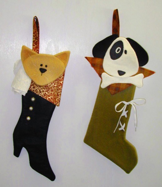 Stylish Urban Cat and Dog Stockings for a Cool Fireplace!