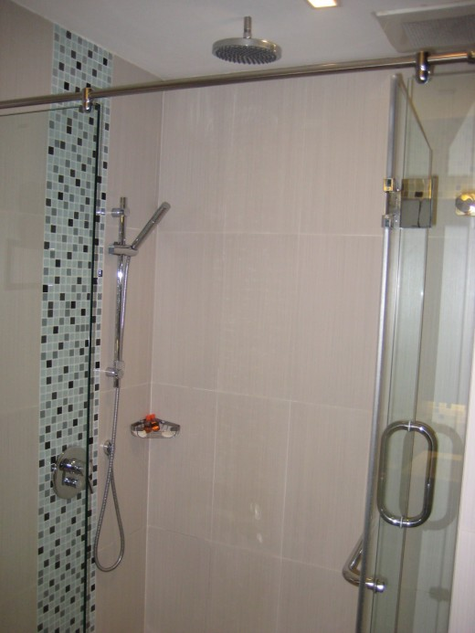 Shower stall with rain shower head