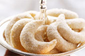 Vanilla cookies or kipferl -  Austrian, Mexican, or Russian?