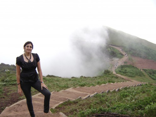 Hills , Mist and Me
