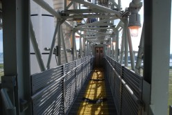 On the 195' platform, the 'astronaut bridge' leading to the white room and eventually to Discovery