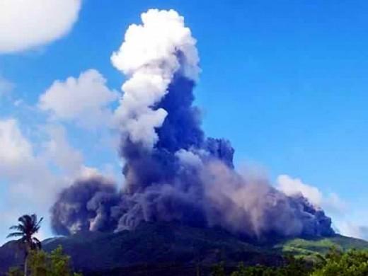 Mount Bulusan volcano eruption in Irosin, Sorsogon, Bicol, Philippines