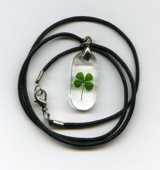 Four Leaf Clover Necklace ( rectangle )