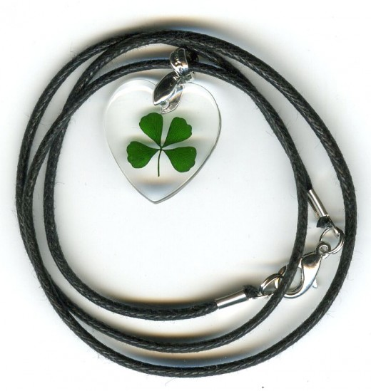 Four Leaf Clover Necklace ( small heartshaped )