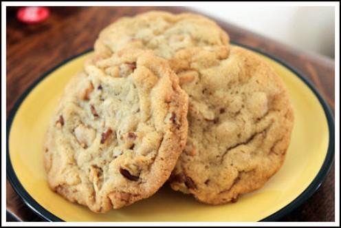 Mrs. Field's Copycat Recipes: Butterscotch Pecan Cookies