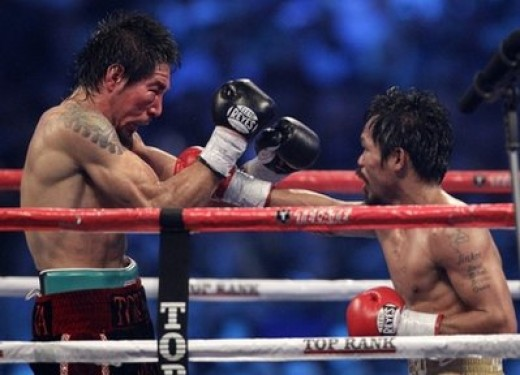 Margarito (on the left) was 5 inches taller, had a 6 inch reach advantage and was about 17 pounds heavier at fight night (November 13, 2010) over Pacquiao (on the right).