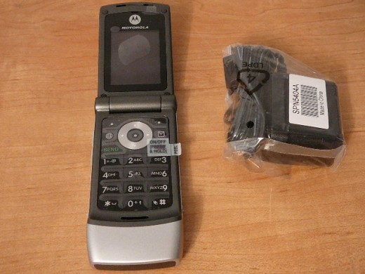 Motorola W376 Bluetooth phone from Tracfone.