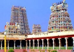 One of India's largest temple, attracting up to 15,000 devotees a day, this extensive temple