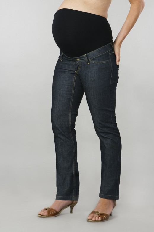 A maternity jeans. (Image credit: Dailyfashiontips)