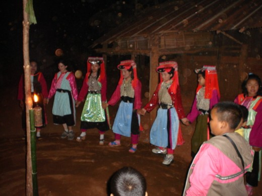 Lisu Girls lined up for dancing.
