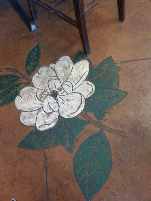The flower painted on the floor.