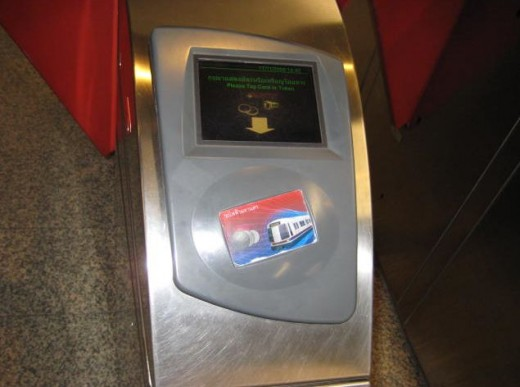 Tap the single journey token or smart pass onto the panel to open the entry gate