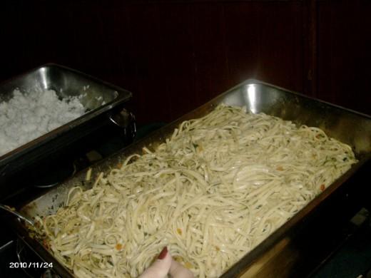 Pasta Linguini in tomato and Basil