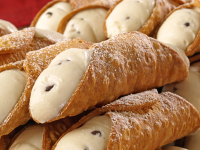 You can if you wish add chocolate chips to your Cannoli filling.