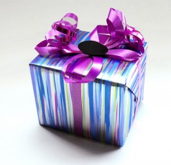 How to Tie Holiday Ribbons and Gift Wrapping Guide