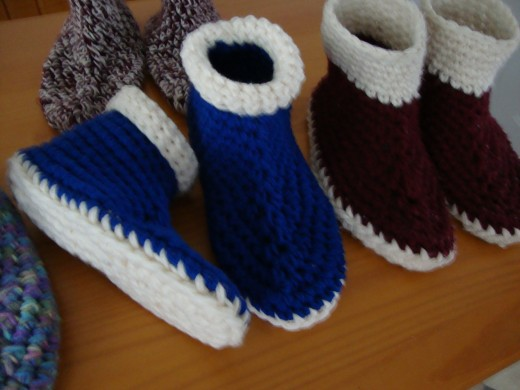 Slippers, Slippers and More Slippers Pattern [PS080] - $6.99