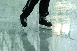 Family Fun Days ~ Outdoor Activities for Kids ~ Winter Ice Skating