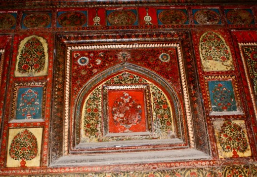 Art work inside Rani Mahal 1