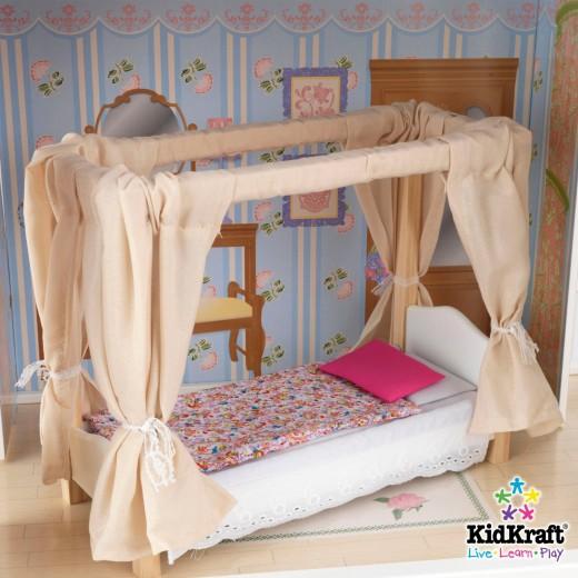 Savannah dollhouse bedroom.