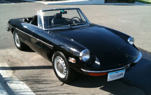The author's personal car, a 1971 Alfa Romeo Spider Veloce.