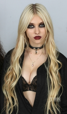 Taylor Momsen photo courtesy of MTV