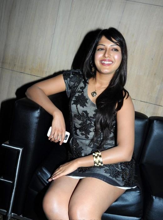 Sandalwood Masala Actress Catherine Tresa Pictures and Photos