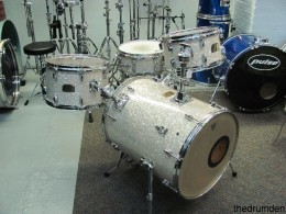 The Al Foster Hipgig Drum Set is one of the better Yamaha Hipgig drum sets, and provides a good sound for jazz drummers.