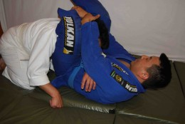 An example of the Triangle Choke, popular in BJJ.